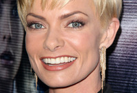 Long-vs-short-hairstyles-jaime-pressly-side